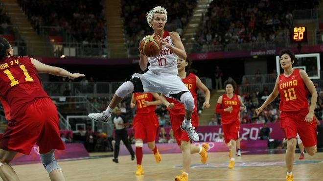 Işıl Alben kız çocuklarının daha çok basketbola yönelmesini istiyor!
