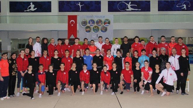 Cimnastik Milli Takımı yurda döndü