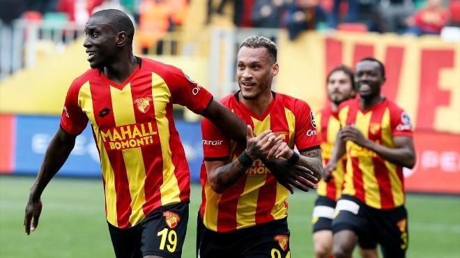 Demba Ba, Beşiktaş'ın teklifine artık sıcak bakıyor