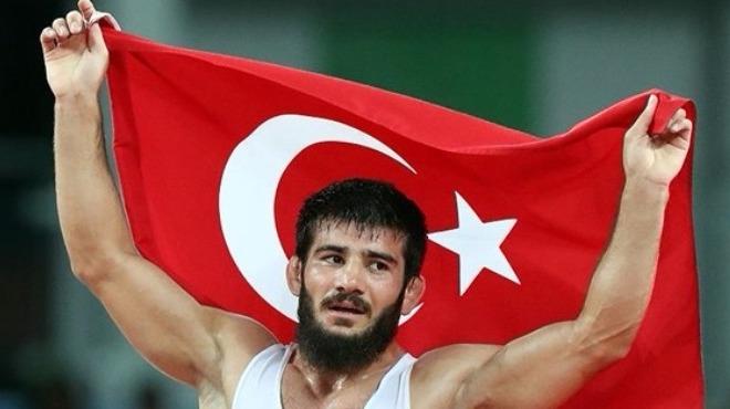 Şampiyon güreşçi ASKİ Spor'da