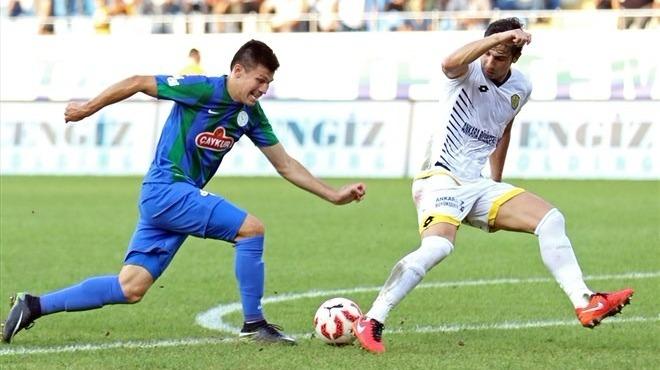 Çaykur Rizespor, Samudio ile sözleşme uzattı!