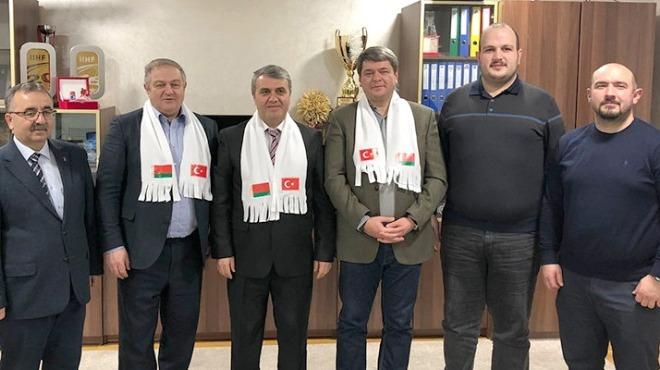 Türkiye ve Belarus Buz Hokeyi Federasyon Başkanları Minsk'te buluştu