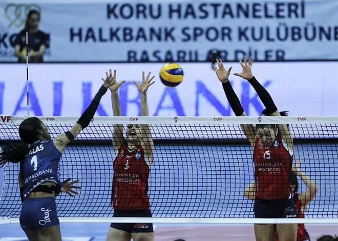 Nilüfer Belediyespor, çekişmeli geçen maçta Halkbank'ı yendi