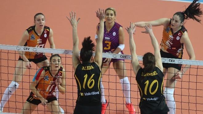 Vakıfbank Galatasaray'ı devirdi! İki takım da 6'lı Play-off'larda