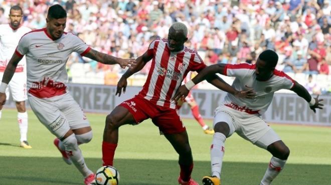 Sivasspor'da gözler Antalyaspor maçına çevrildi