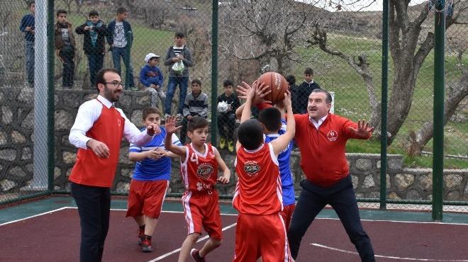 Gençlik ve Spor Bakanı Bak, Şırnak'ta gençlerle buluştu