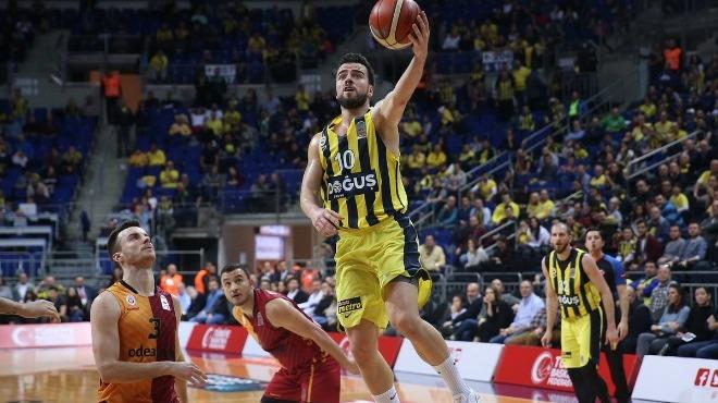 Fenerbahçe'den yeni rekor! Derbi maçtan notlar...