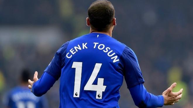 Cenk Tosun'dan Mehmetçik'e selam