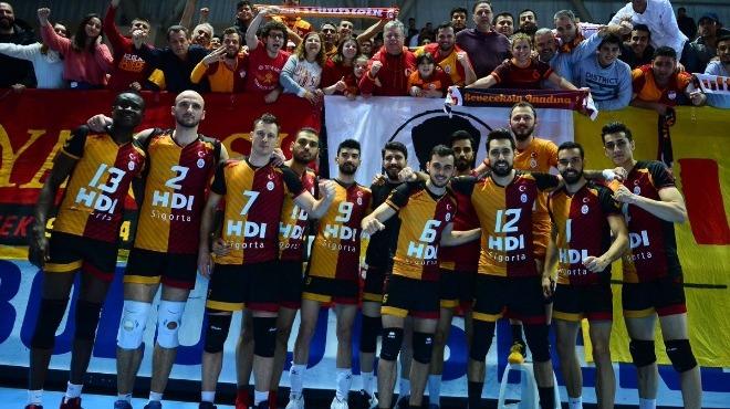 Galatasaray, Fenerbahçe'yi 5 sette geçti