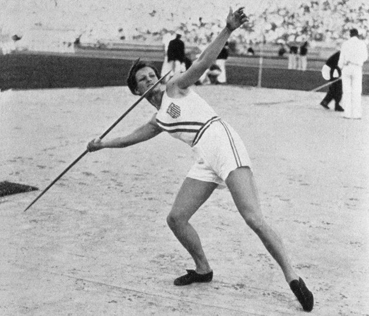 Olimpiyatta 3 farklı kategoride madalya kazandı