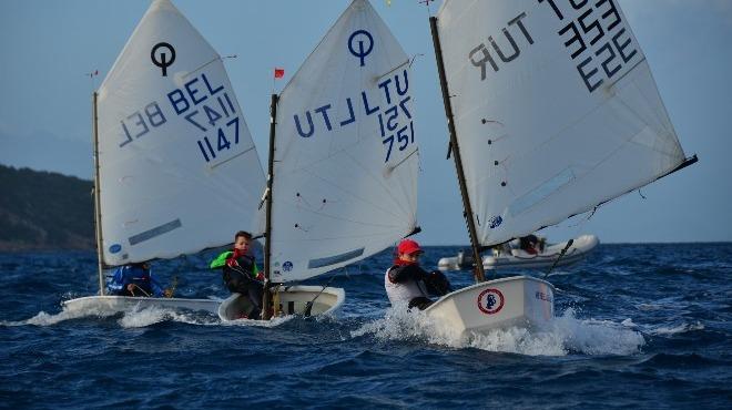 6. Bodrum Uluslararası Optimist Yarışları'nda ikinci gün mücadelesi tamamlandı