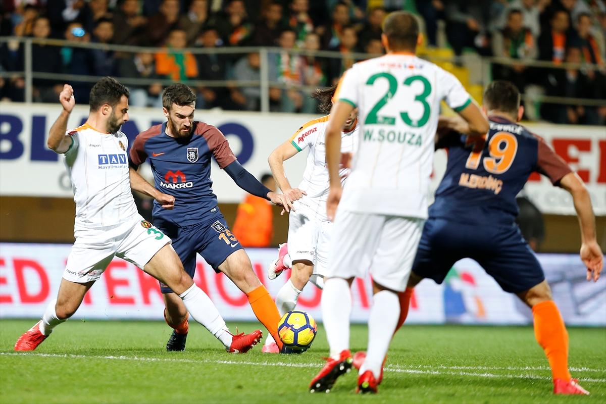 'Beşiktaş bana göre Başakşehir maçında daha avantajlı'