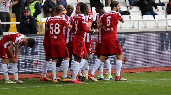 Sivasspor galibiyete şartlandı! 10 isim ceza sınırında...