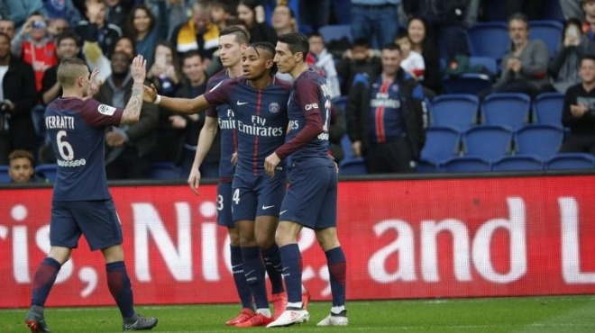 PSG evinde Metz'e patladı!