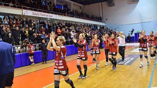 Kadınlar hentbolda 2 Türk takımı Avrupa'da yarı finalde