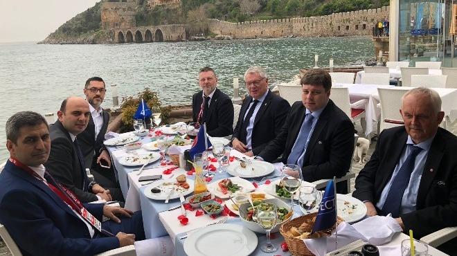 Türkiye - İsveç maçı öncesi yöneticiler bir araya geldi