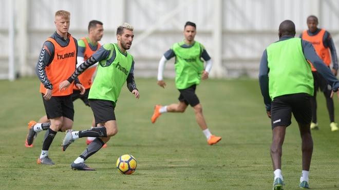 Atiker Konyaspor'da Sivasspor maçı hazırlıkları devam ediyor
