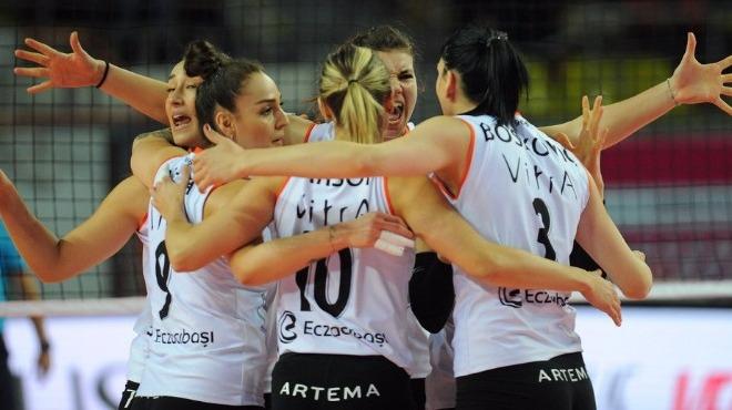 Vestel Venus Sultanlar Ligi'nde ilk finalist belli oldu!