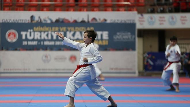Türkiye Minikler ve Yıldızlar Karate Şampiyonası'nın açılışı yapıldı