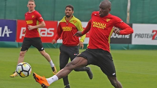 Beşiktaş'tan Demba Ba çıkışı: 'Menajer oyunları var.'