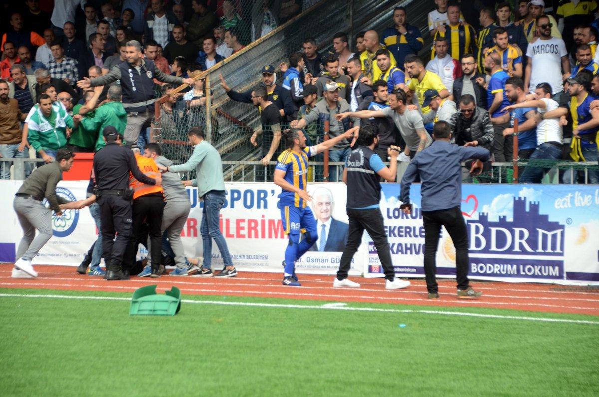Bodrum'da futbol maçı sırasında kavga! Büyük olaylar!