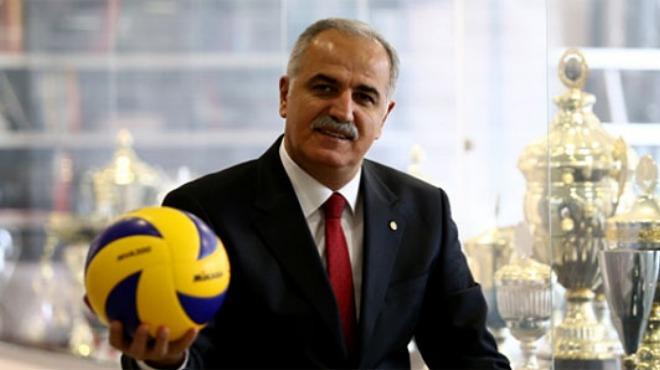 Mehmet Akif Üstündağ'dan kulüplere kutlama