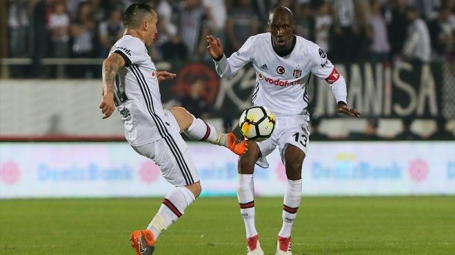 Beşiktaş, Atiba ile sözleşme imzalamak için Pepe ve Vida'yı bekliyor!