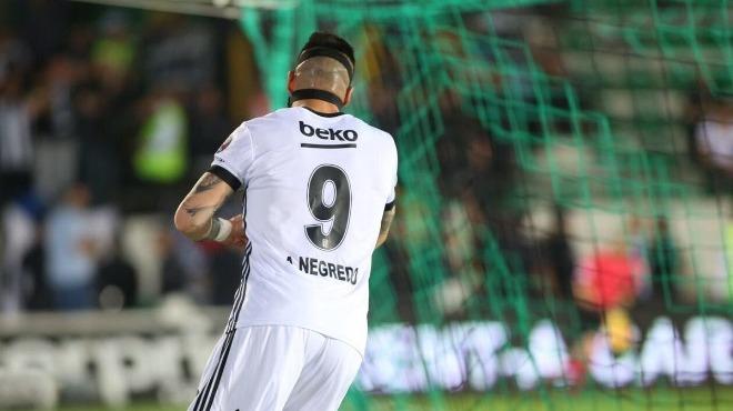 Negredo'dan şampiyonluk sözleri: 'Kendi ipimizi kendimiz kesemiyoruz'