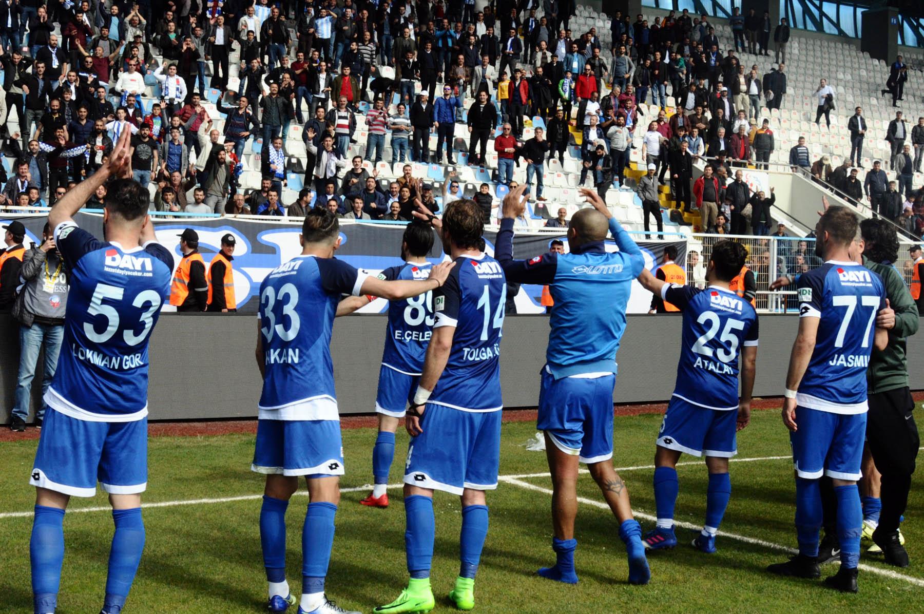 Erzurumspor ikinci yarıda coştu, farka koştu