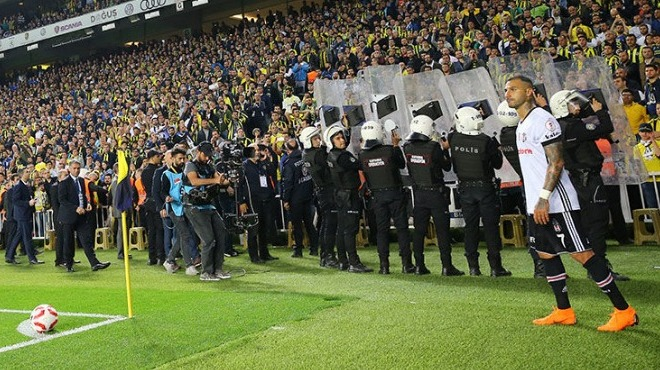 Aziz Yıldırım'dan Çetinkaya'ya telefon: 'Kalkanlı polis gönder'