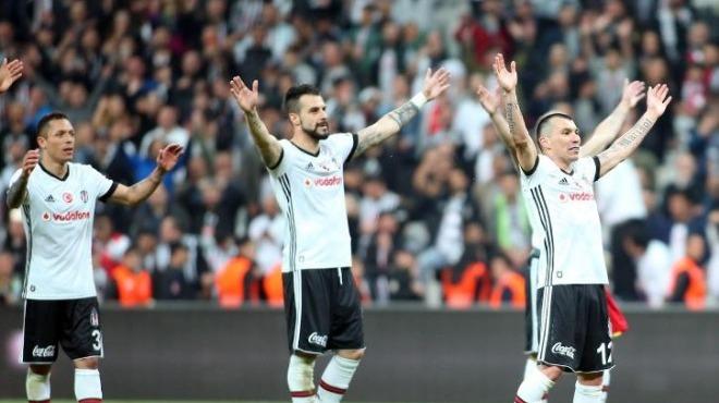 Beşiktaş derbi öncesi 'kafa'yı kullandı!
