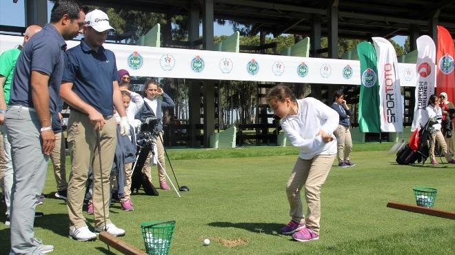 Minik golfçüler Antalya'da bir araya geldi