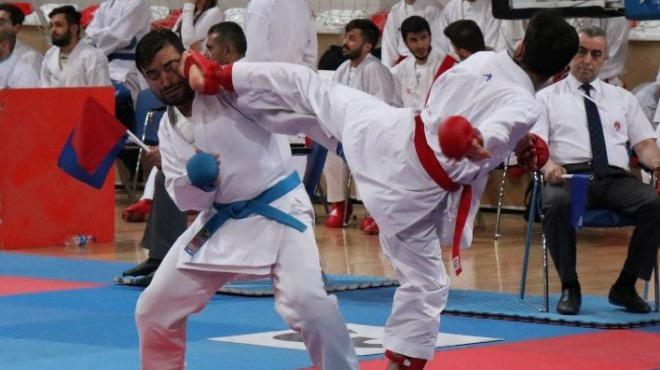 Kulüpler Türkiye Karate Şampiyonası başladı