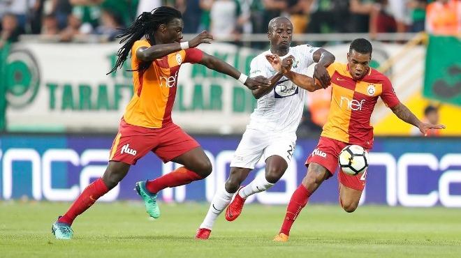 Galatasaray'da şok karar! Biri gidiyor, biri kalıyor...