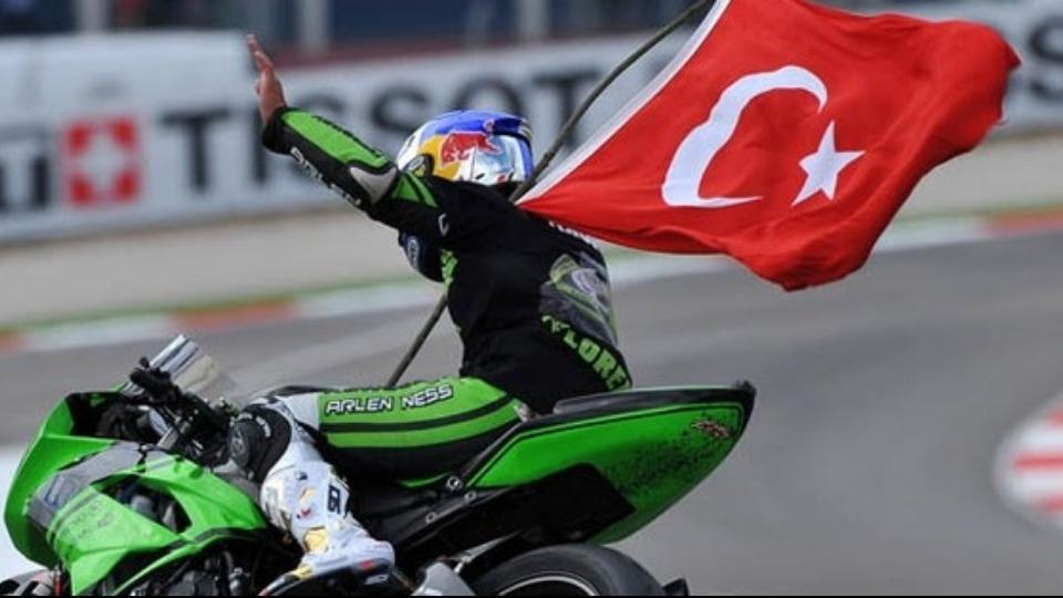 Kenan Sofuoğlu genç sporculara güveniyor!