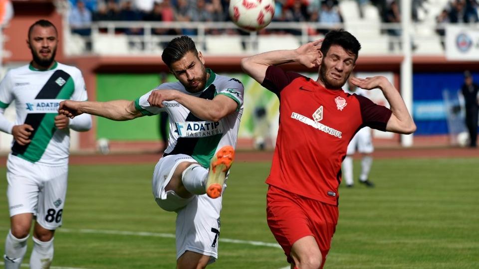 Sakaryaspor rövanşı da kazandı, finale çıktı