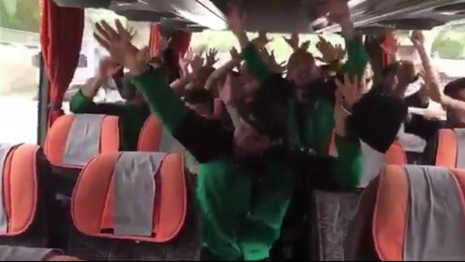 Video- Sakaryasporlu futbolcular yönetimi protesto etti