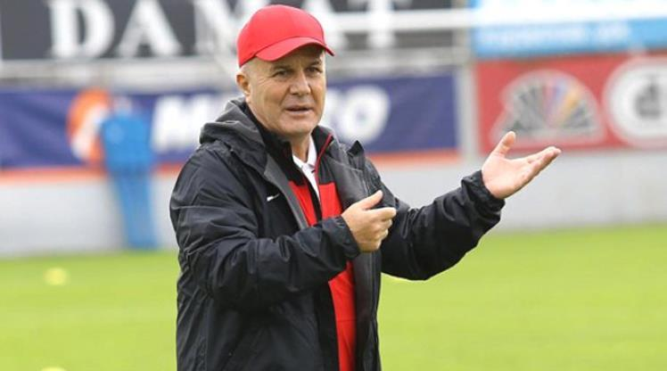 Hekimoğlu Trabzon FK, Sadi Tekelioğlu ile yollarını ayırdı!