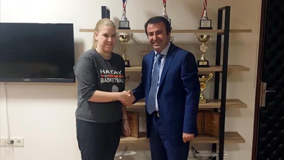 Hatay Büyükşehir Belediyespor Aikaterini Chatzidaki ile devam ediyor