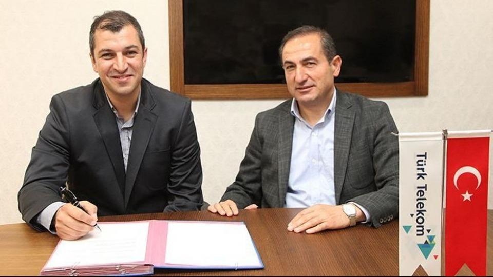 Türk Telekom'da Burak Gören'in sözleşmesi uzatıldı