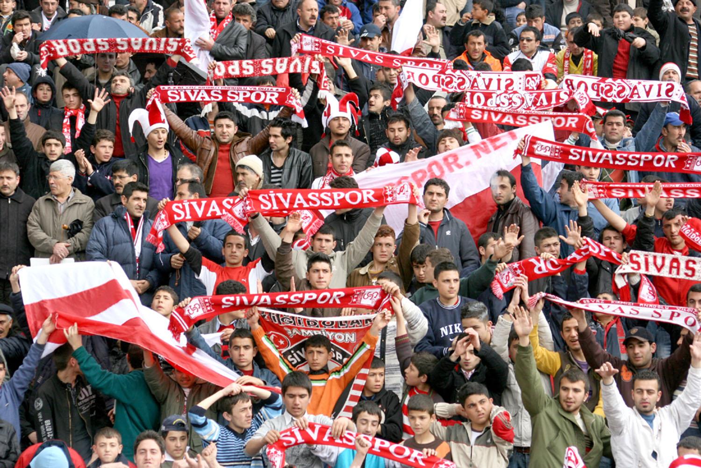 Otyakmaz'dan Sivasspor taraftarlarına mesaj