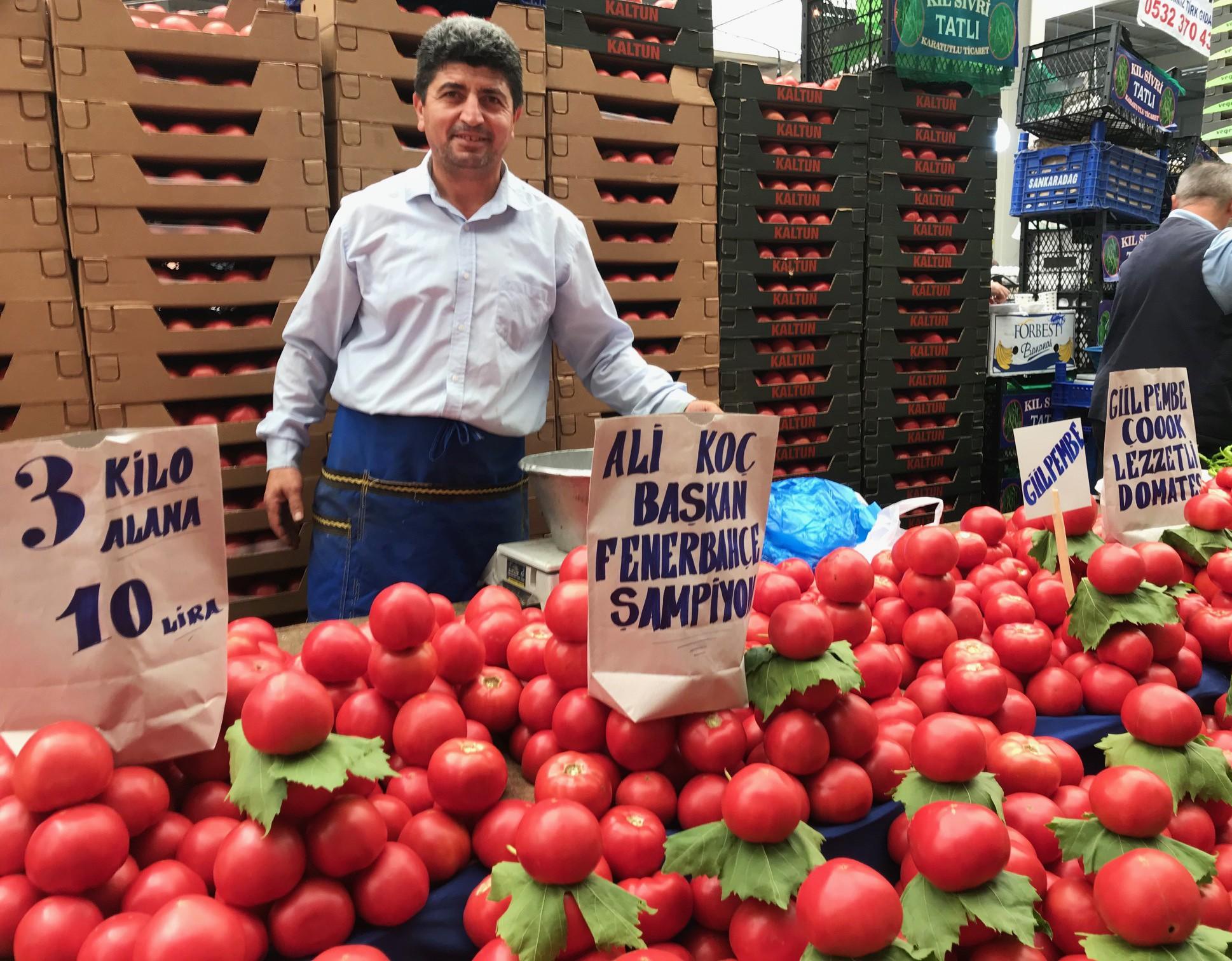 Beylikdüzü pazar esnafından Ali Koç'a destek