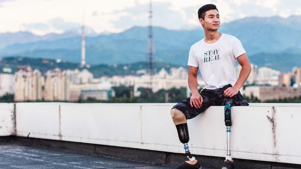 Kazakistanlı engelli sporcu Esmatov, binlerce insana ilham veriyor!