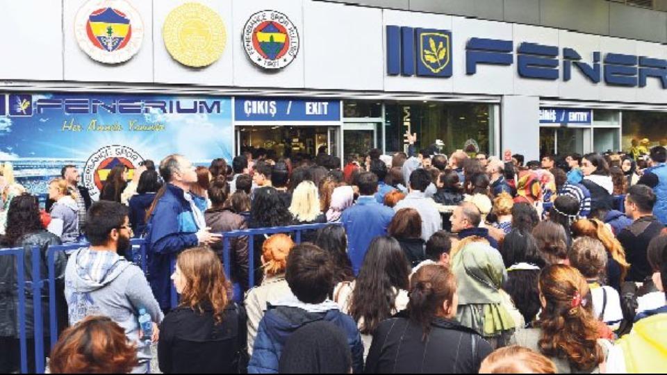 """Fenerbahçeli taraftarlar kulübe destek için """"Sunny Week"""" kampanyası başlattı"""