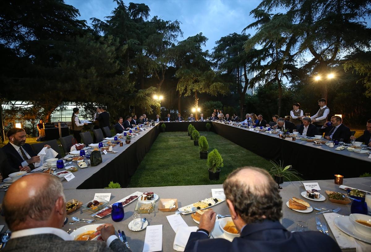 Başkanlar iftarda buluştu! Ali Koç'tan Fikret Orman sözleri!