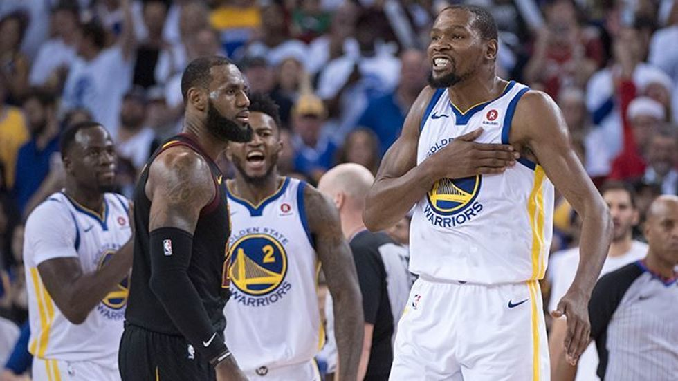 Cleveland Cavaliers Golden State Warriors 4. maçı canlı izle | S Sport şifresiz izleyin