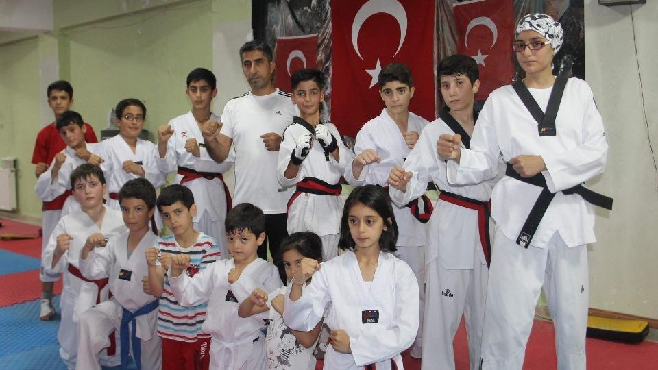 İftardan sonra antrenman yaparak Türkiye Şampiyonası'na hazırlanıyorlar