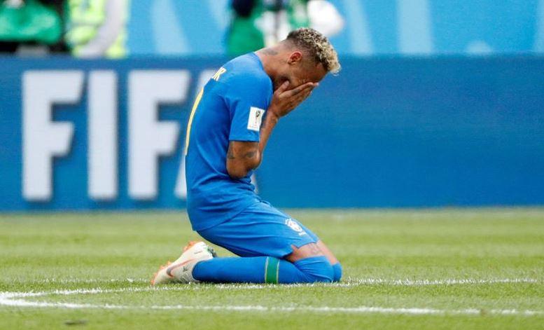 Neymar maç sonunda gözyaşlarını tutamadı!