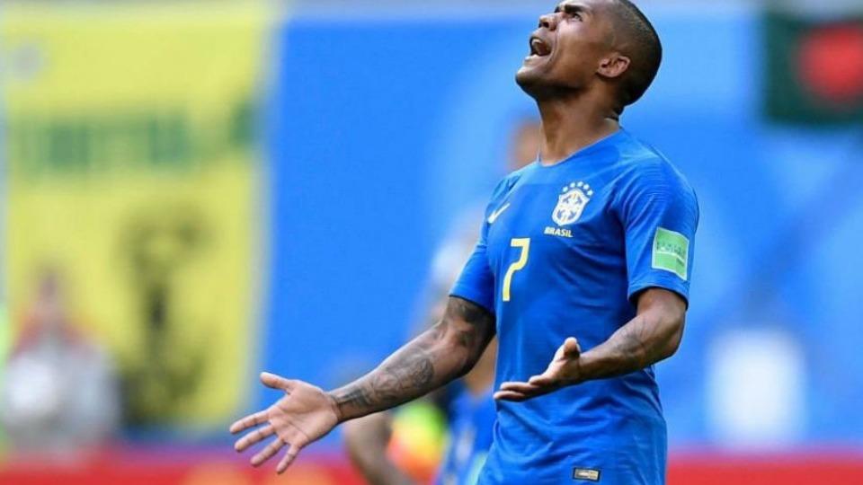 Brezilya'da Douglas Costa şoku!