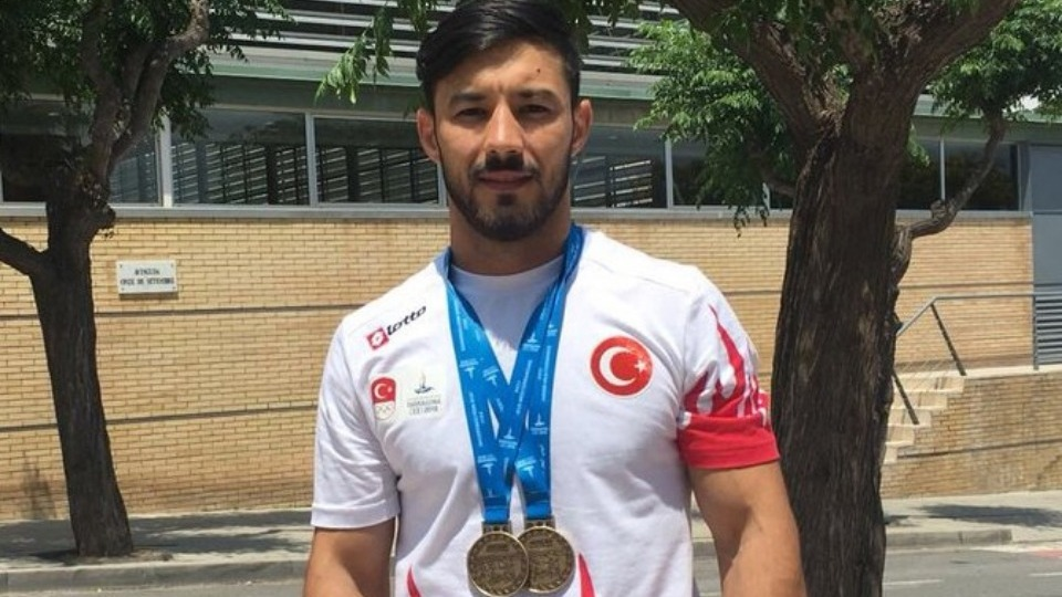 Daniyar İsmailov'dan altın madalya!
